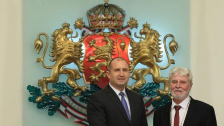 Симеон Спиридонов получи държавно отличие от президента Румен Радев