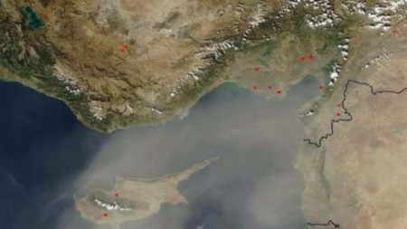 Регионът на Източното Средиземноморие, в който Кипър заема централно място, много често е засегнат от пясъчни бури от Африка.