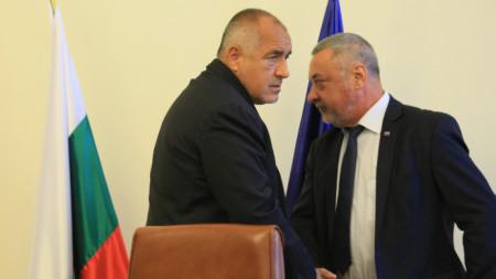 Разговорът на Борисов със Зеленски се е провел в присъствието на Валери Симеонов, съобщиха от правителствената пресслужба.
