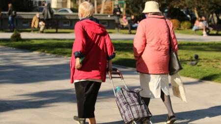 От 1 юли социалната пенсия за старост се увеличава с 5 процента.