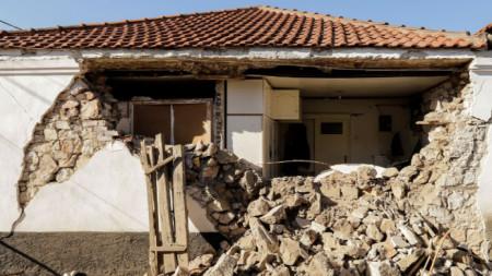 Разрушения след силно земетресение в централна Гърция на 3-ти март 2021 г.