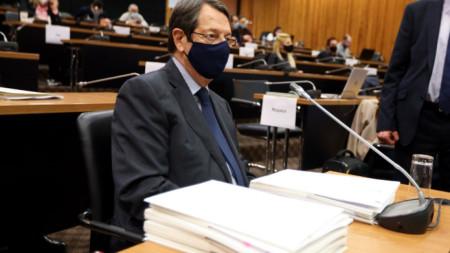 """Никос Анастасиадис пред специалната анкетна комисия, разследваща прекратената вече програма """"гражданство срещу инвестиции""""."""