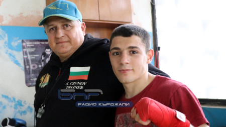 Ергюнал Сабри-Оги с треньора си Стоян Узунов