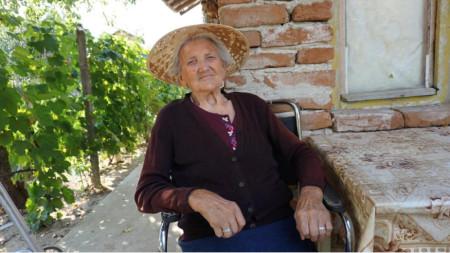 Надежда Маринова навършва 100 години.