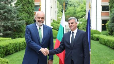 Dy kryeministrat Edi Rama dhe Stefan Janev
