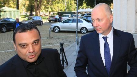 Бившият министър на транспорта Ивайло Московски (вляво) изрази увереност в качествата на своя приемник Росен Желязков.
