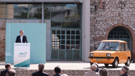 Премиерът Кириакос Мицотакис обявява 10-годишния план на Гърция за намаляване на въглеродните емисии.
