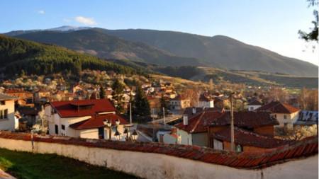 Сапарева баня е една от общините, които успяват да привлекат летовници това лято