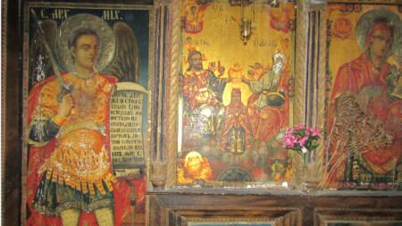 Икона на Архангел Михаил в църквата в Кирково