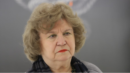 проф. Аксиния Джурова