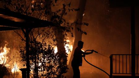 Горски пожар в Гърция