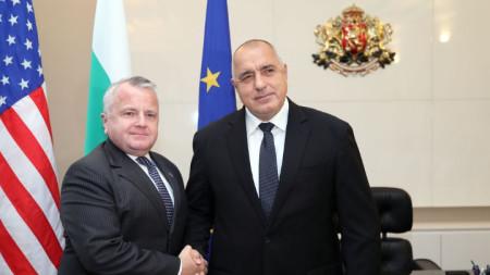 Премиерът Бойко Борисов и заместник-държавният секретар на САЩ Джон Съливан на срещата им в Министерски съвет.