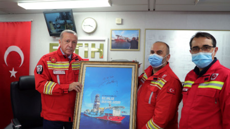Турският президент Реджеп Тайип Ердоган по време на посещението си на кораба