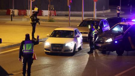 Полицията в Мадрид контролира спазването на ограниченията - 2 октомври 2020