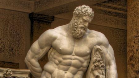 """""""Херкулес Фарнезе"""" (Ercole Farnese) - скулптура от III век, Гликон от Атина"""