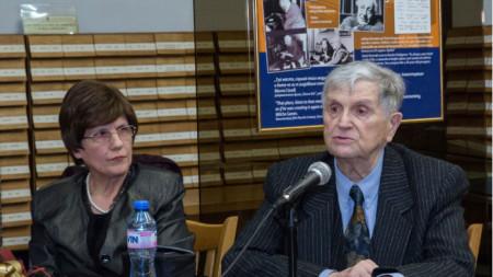 Проф. Стефан Лазаров и Надя Сотирова от Къщата музей