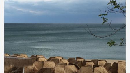 Плаж край Варна, май 2020