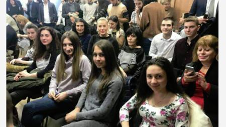 Среща на ученици с евродепутати в София