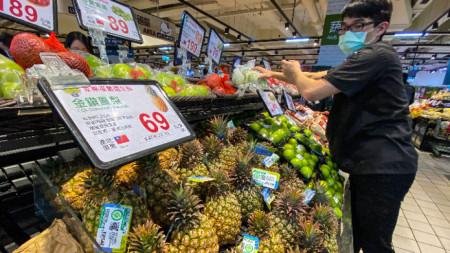 Правителството в Тайпе призова тайванците да ядат ананаси след забраната им за износ в Китай.