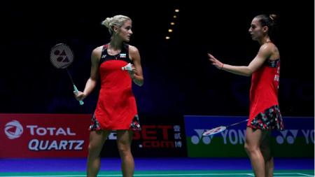 Габриела (вляво) и Стефани Стоеви  са на четвъртфинал.