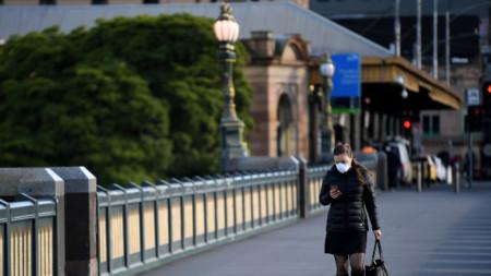 Жена на Моста на принцовете в Мелбърн, щата Виктория - 3 август 2020