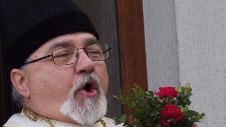 Отец Кирил Попов от храма