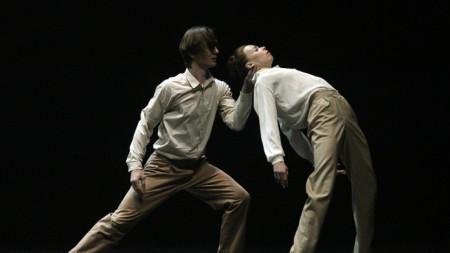 """Кадър от спектакъла """"Изгасване"""" на Димо Милев на сцената на Болшой театър. На снимката: Е. Крисанова и Вл. Лантратов."""