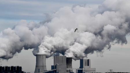 ТЕЦ на лигнитни въглища в Боксберг, Германия. Правителствена комисия препоръча пълен отказ от въгледобива най-късно до 2038 г.
