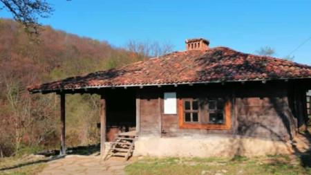 Серафимовата къща в Свежен