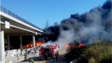 Пожар, който повреди мост на АМ