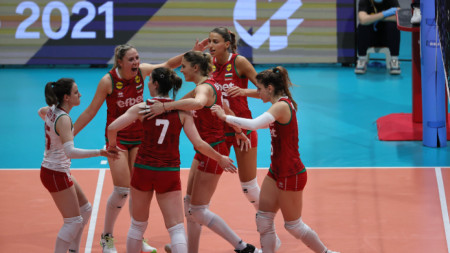 Волейболистките ще играят на полуфинала на 19 юни.