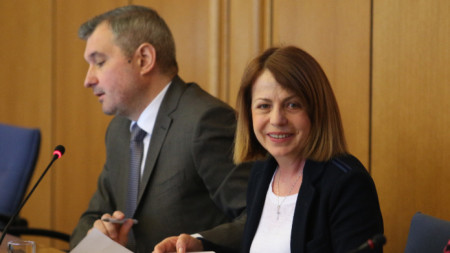 Елен Герджиков и Йорданка Фандъкова на заседание на Столичния общински съвет.