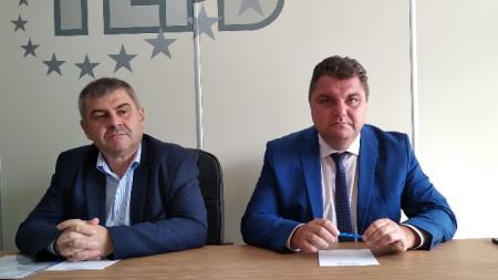 Дилян Димитров, народен представител и Росен Белчев, областен управител (от ляво надясно)