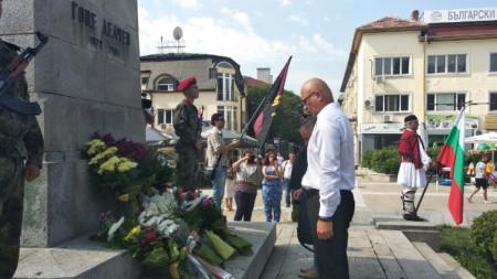 Депутатът от ВМРО Атанас Стоянов посочи, че по спорните исторически въпроси със Северна Македония България трябва да защити националния си интерес