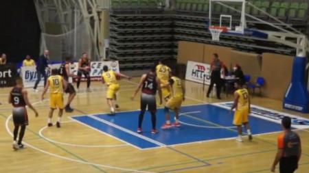 БК Академик (Пловдив) с 4 от 4 в Балканската лига