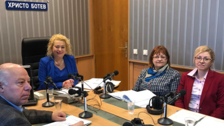 Адв. Захари Генов, Анелия Торошанова, Мария Русева, Светлина Йолчева (от ляво надясно)