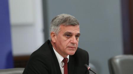 В Гранитна зала на Министерския съвет Стефан Янев представи новите областни управители.