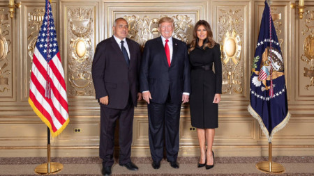 Kryeministri Borisov (majtas) me familjen Trump