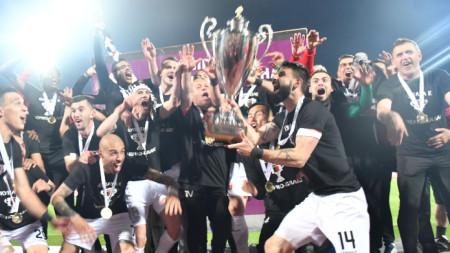 Носителят на купата на България по футбол Локомотив (Пловдив) продължава напред в турнира