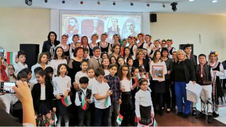 Ученици, учители и дипломати – заедно в Деня на народните будители.