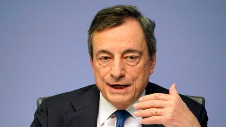 Последна пресконференция на отиващия си шеф на ЕЦБ Марио Драги
