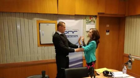Илия Илиев даде някои указания за самозащита и на водещата Райна Ванчева