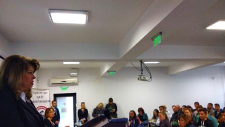 Вицепрезидентът Илияна Ѝотова се срещна със студенти от Западните покрайнини, Молдова и Украйна, които учат в Пловдивския университет.