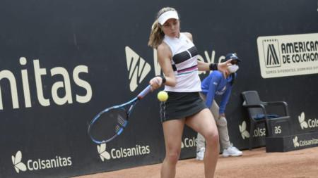 Виктория Томова продължава без загубен сет.