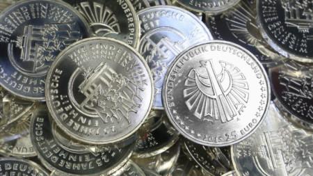 Монета, пусната в обращение по повод годишнина от обединението на Германия