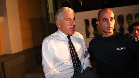 Янос Папандониу бе задържан късно във вторник, след като даде показания пред следствието в Атина.