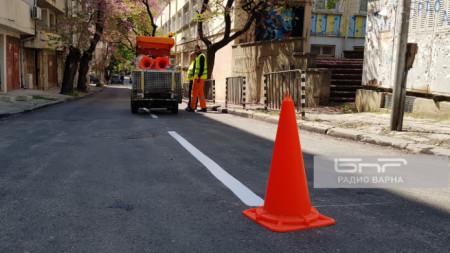 Пътна маркировка - синя зона във Варна
