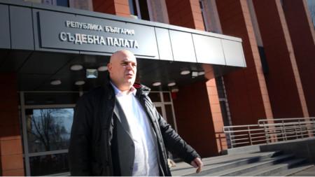 """Başsavcı İvan Geşev: """"Yasalar önünde kimsenin dokunulmazlığı yoktur. Bulgar tarihinde, 1989 yılından sonra böyle bir dönem olmuş olsa da, o geçmişte kaldı. Bulgaristan değişiyor""""."""
