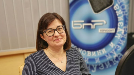 """Надежда Розова - преводач на книгата """"Няма връщане назад"""" на Мелинда Гейтс"""