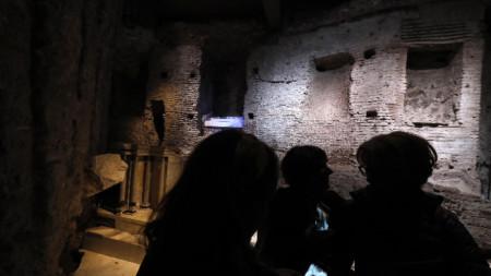 "Посетители вече се допускат в реновирания ""Домус Транзитория""."